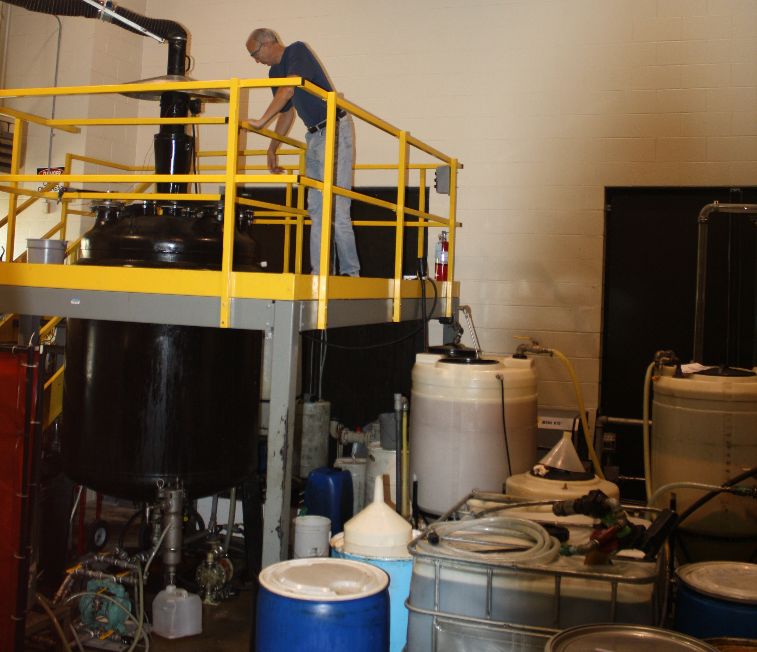 Joe Pickowitz working  with the biodiesel pilot plant that was set up  at ISTC's testing facilities.